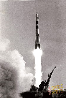 Soyuz T-2 launch