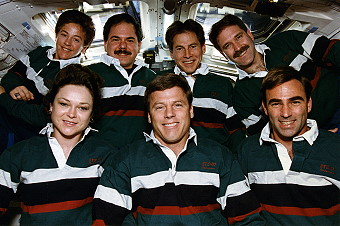 traditional in-flight photo STS-67