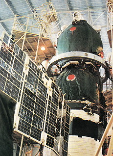 Soyuz TM-9 integration