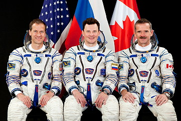 Crew ISS-33 backup